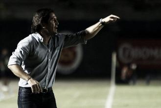 """Bruno Marioni: """"Con muchos errores individuales, difícil un resultado positivo"""""""