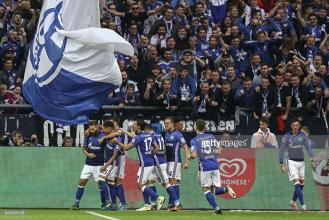 FC Schalke 04 3-1 VfB Stuttgart: Quickfire double sees Die Königsblauen continue 100% home record