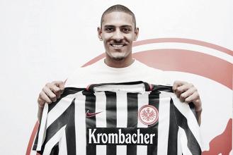 Sébastien Hallerdeja elUtrechty firma por elEintracht Frankfurt
