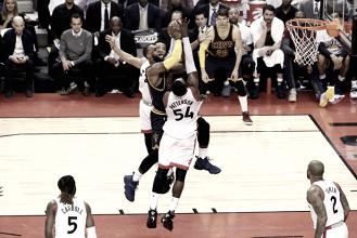 LeBron James ofusca atuação de DeRozan e comanda vitória dos Cavaliers sobre Raptors