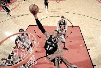 Em partida apática dos Rockets, Spurs vencem e se classificam para as finais da Conferência Oeste