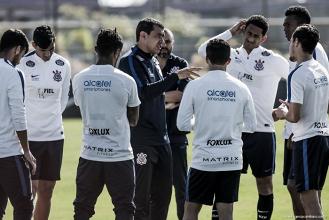 Carille elogia equipe do Corinthians e classifica vitória no derby como muito grande