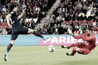 Em jogo marcado por homenagens a Maxwell, PSG apenas empata com Caen na última rodada