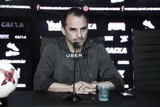 Rodrigo Caetano traça perfil desejado e dá detalhes sobre busca por novo treinador