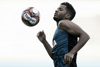 Com Carli suspenso, zagueiro Yago deve fazer sua estreia pelo Botafogo