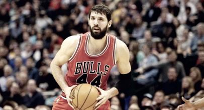 NBA - Piove sul bagnato per i Bulls: Mirotic si rompe un osso della faccia in una rissa con Portis