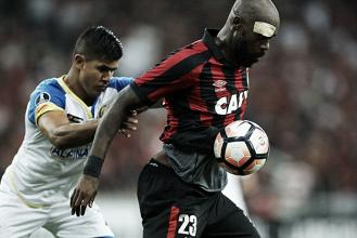 Em jogo de seis gols, Atlético-PR vacila e cede empate ao Deportivo Capiatá no fim