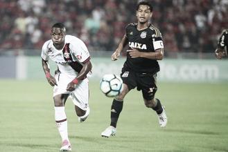 Ponte Preta e Flamengo se enfrentam buscando recuperação no Brasileirão