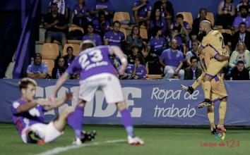 Un Oviedo sin alma sigue sin ganar fuera de casa