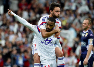 Lyon retrouve sa place de leader provisoire