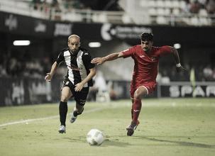 El Cartagena sufre la primera derrota en casa