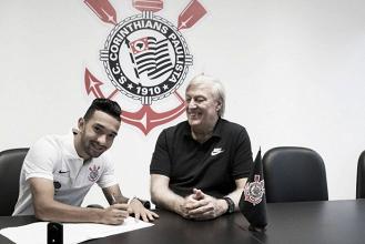 Destaque no Paulistão, Clayson é anunciado oficialmente como novo reforço do Corinthians