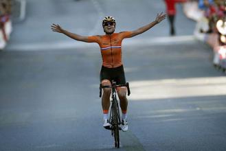 Chantal Blaak saca oro de la aplastante superioridad holandesa