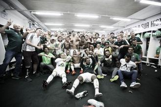 Chapecoense vence Vitória na Arena Condá e confirma permanência na Série A