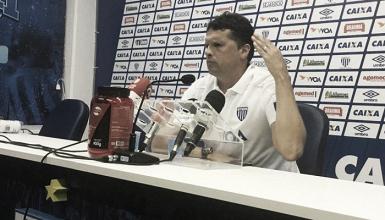 """Claudinei Oliveira destaca atuação do Avaí após empate no clássico: """"Criamos para vencer"""""""