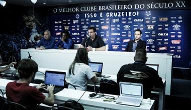 Após eliminação e perda de título, diretoria do Cruzeiro se reúne com comissão e jogadores