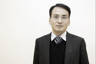 Wang se une al consejo periquito