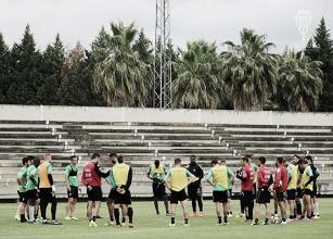 Ojeando al rival del Reus: el Córdoba, con el descenso al cuello