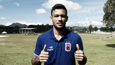 Destaque no acesso, lateral Cristovam deixa Paraná Clube rumo ao futebol asiático