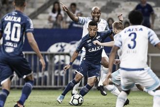 No sufoco, Avaí arranca empate do Cruzeiro em jogo com lances polêmicos