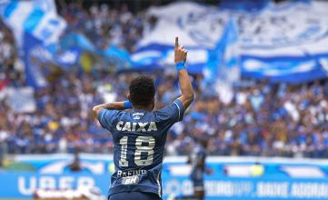 """Herói da vitória, Rafinha minimiza fase artilheira no Cruzeiro: """"Função de fazer gol é do Fred"""""""