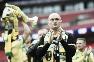 Alex Neil signs new Norwich contract