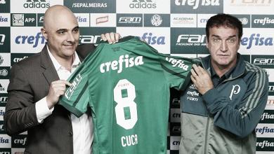 Cuca é apresentado no Palmeiras e reduz cobrança por títulos