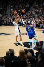 NBA Playoff day 6 - Philadelphia e Warriors vincono in trasferta, bene gli Spurs in casa