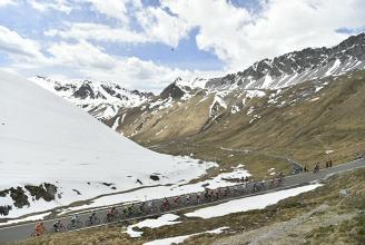 Giro d'Italia 2017, la presentazione della 17° tappa: Tirano - Canazei, avvio importante, finale alla portata
