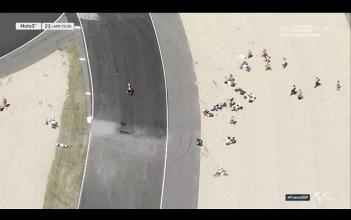 Moto3, Le Mans - Tutti per terra: bandiera rossa