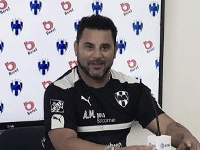 Aceptó Antonio Mohamed interés de Rayados por Miguel Layún
