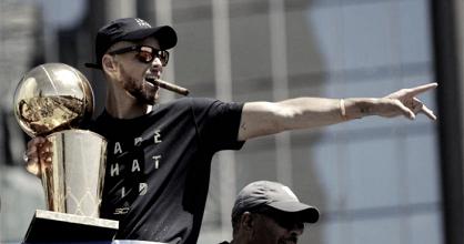 Curry renova com Warriors e receberá maior contrato da história da NBA