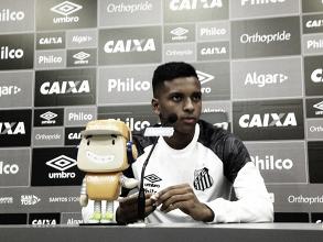 Mais preparado, Rodrygo espera vitória contra Corinthians para 'acabar com a falação'
