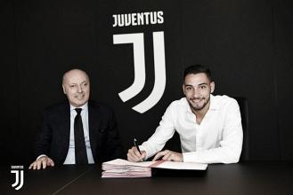 Trabalhando intensamente por reforços, Juventus anuncia lateral Mattia De Sciglio
