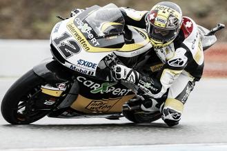 Brno, Moto2: Luthi trionfa sul bagnato. Pasini a fondo, Morbidelli resta a galla