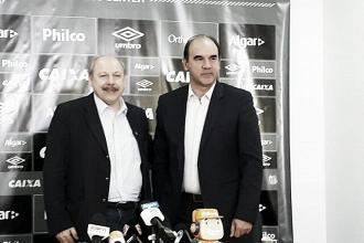 Apresentado como diretor, Ricardo Gomes promete três reforços no Santos