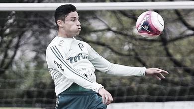 Diogo Barbosa inicia transição física em reapresentação do Palmeiras
