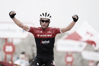 Alberto Contador deja su última bala en El Angliru
