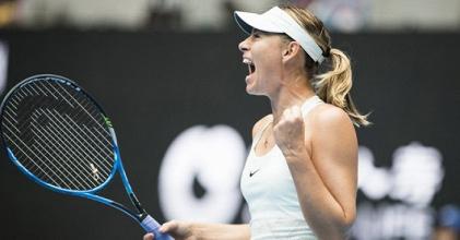 WTA Pechino - Avanzano Sharapova e Halep
