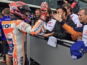MotoGP - Phillip Island, la firma di Marquez