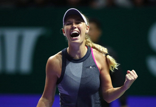 WTA Finals - Wozniacki ferma Pliskova, Venus rimonta la Garcia
