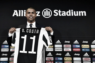 """Douglas Costa se mostra ansioso para formar dupla com Higuaín na Juventus: """"Tem muito potencial"""""""