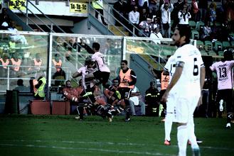 Serie B - Gagliolo risponde a La Gumina: 1-1 tra Palermo e Parma