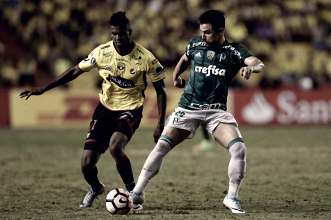 "Willian lamenta gol sofrido, mas demonstra otimismo para partida de volta: ""Continuamos vivos"""