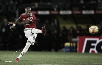 Ashley Young mentre sigla il 2-0. | Premier League, Twitter.