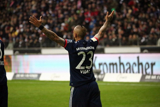 Bundesliga - Massimo risultato col minimo sforzo: Bayern batte Eintracht grazie ad Arturo Vidal