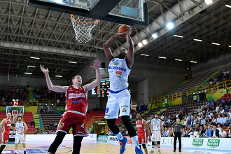 Legabasket: Landry e la difesa stoppano Varese, a Brescia Gara 1