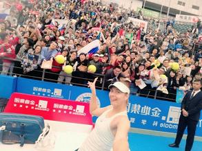 WTA Shenzhen - Cadono Ostapenko e Giorgi, Sharapova ok al terzo - Shenzhen Open Twitter