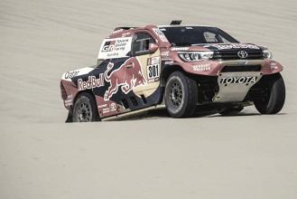 Nasser Al Attiyah vence la etapa y Carlos Sainz tiene más cerca su segundo Dakar