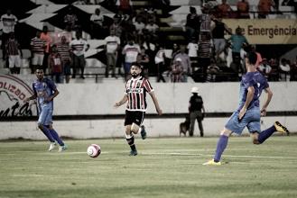 Santa Cruz sai na frente, mas cede empate na estreia do Pernambucano